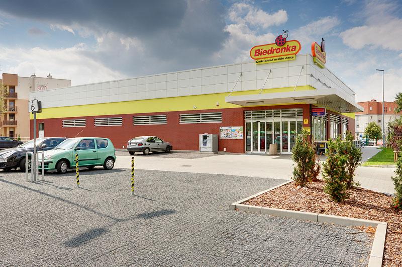 Jak pewna klientka odczuła radykalne działanie supermarketu dotyczące parkowania przed sklepem